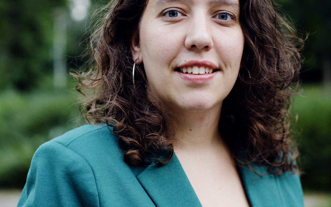 """Onderzoeker Hanneke Felten: """"Je hoeft je niet bewust te zijn van je eigen vooroordelen om ze te verminderen"""""""