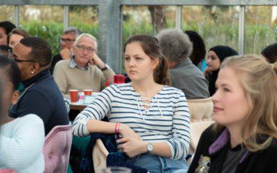 Rotterdammers relaxed in gesprek tijdens Dag van de Dialoog 2019
