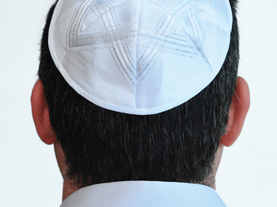 Openlijk Joods, maar niet altijd